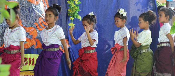 Children dance in the child inter center competition